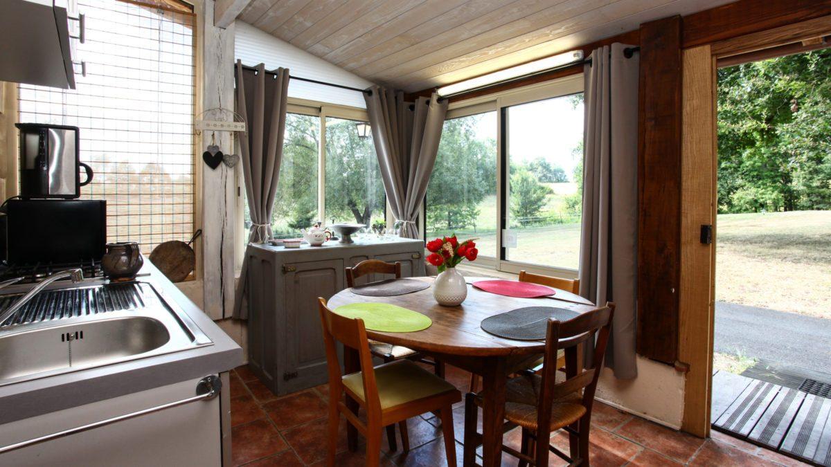 Duplex Indépendant - cuisine - Luxe et Design - Domaine de l'Ô - Gîte - Chambre d'hôte - Périgord