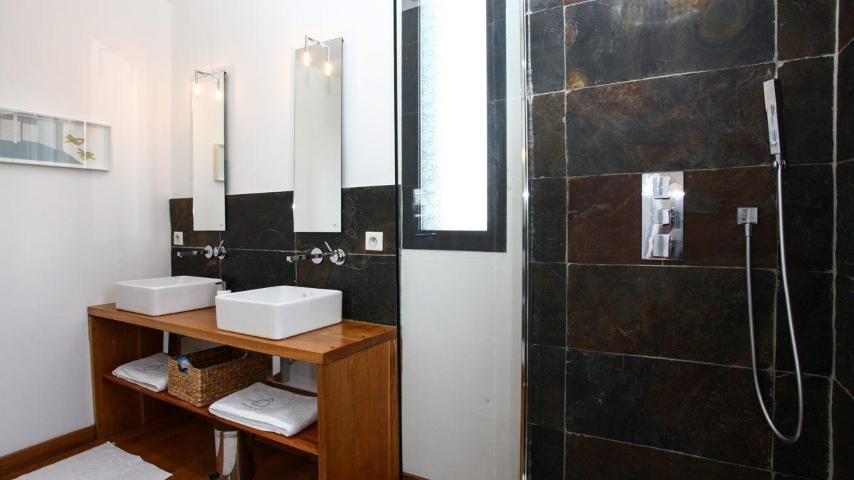 Loft Ôrizon – Salle de bain – Luxe et Design  – Domaine de l'Ô – Gîte – Chambre d'hôte – Périgord