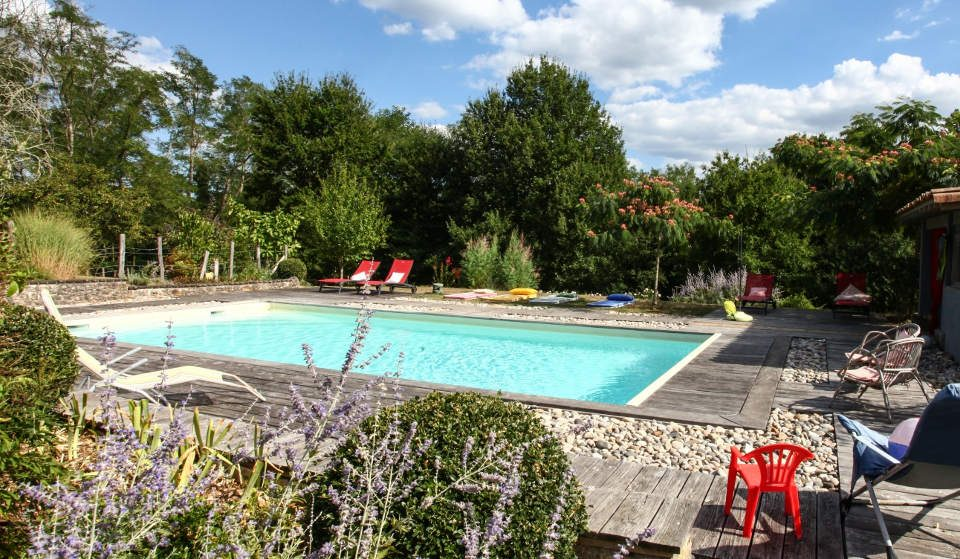 Loft de luxe - design -Gîte - Chambre-d'hôte - Périgord - écogite -piscine-chauffée